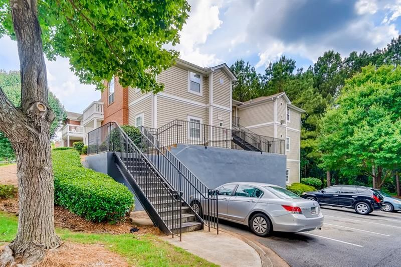 4241 Orchard Grove