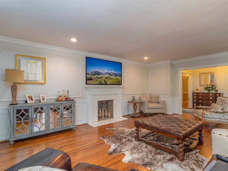 139 W Paces Ferry Road NW