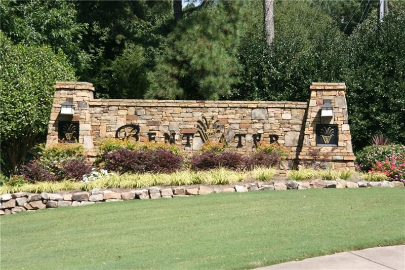 112 Knightwood Point