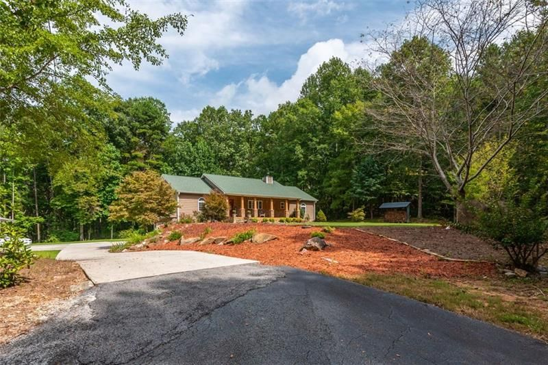 306 Hickory Hollow Court