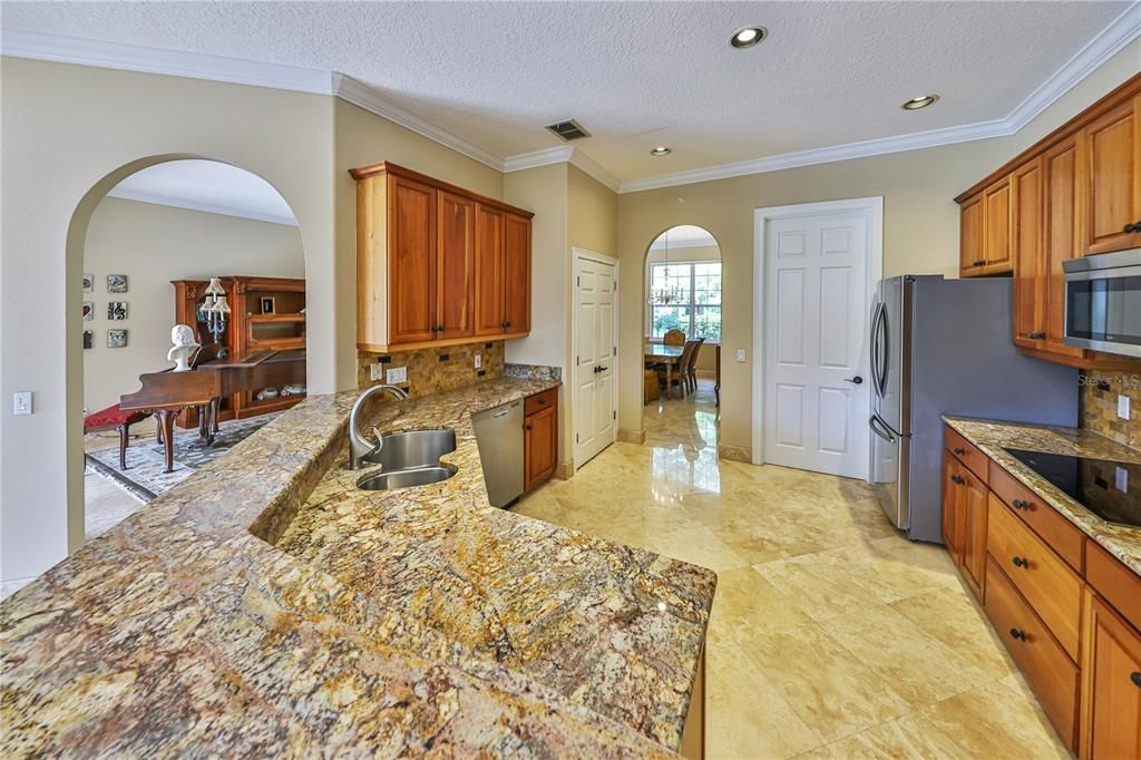 943 Brightwater Circle