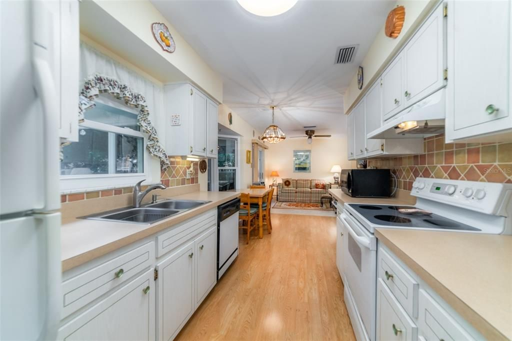 2705 Grand View Place