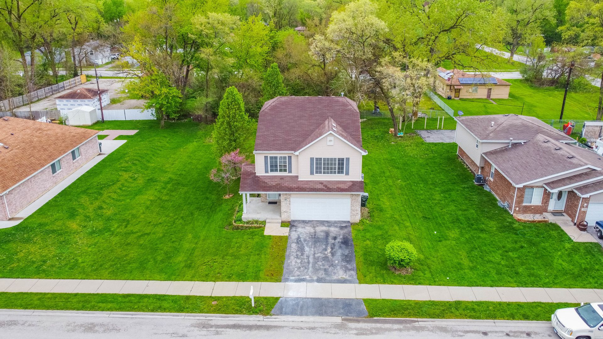 3412 W 136th Place