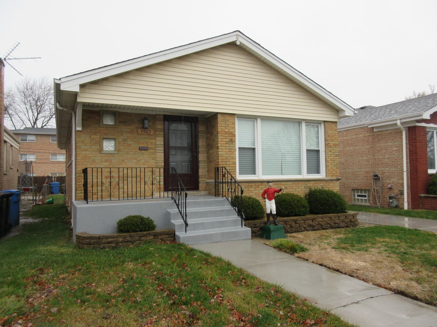 3942 W 104th Place