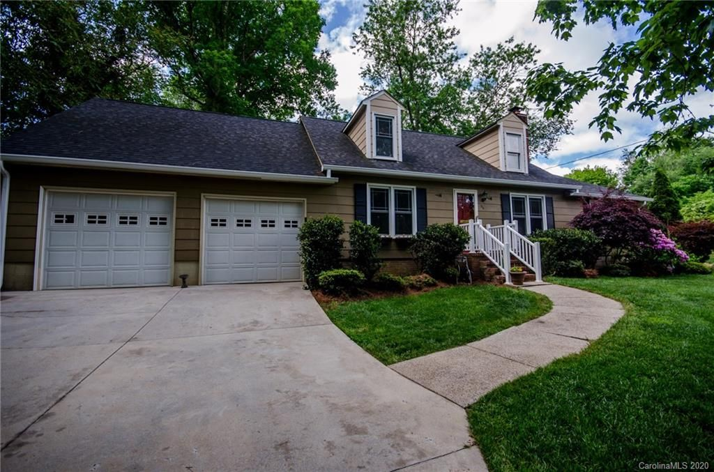 126 Pineview Court
