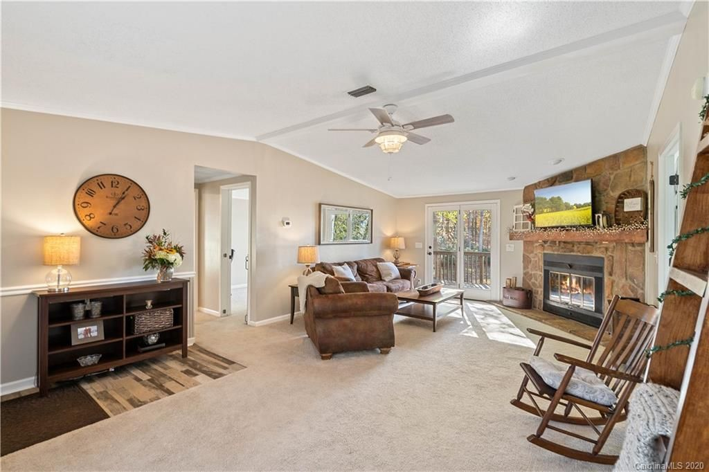 428 Lakeview Shores Loop