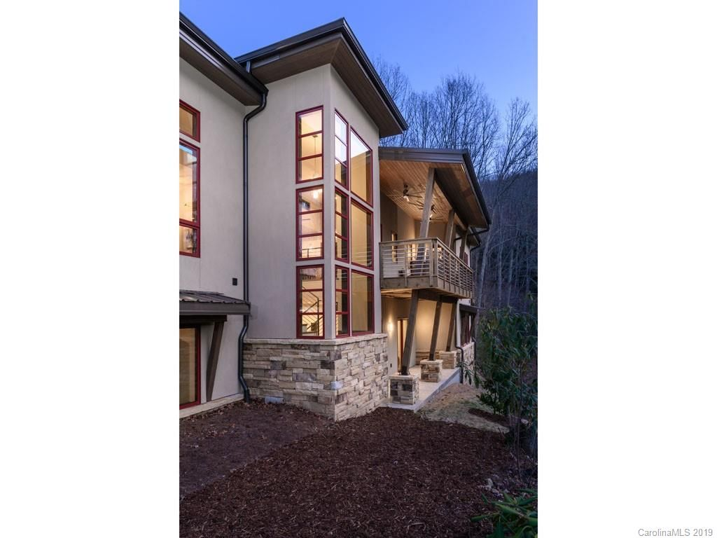 121 High Hickory Trail None