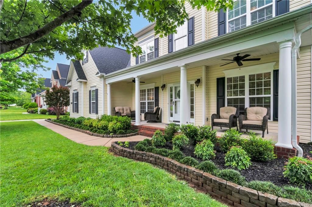 11705 Red Falcon Court