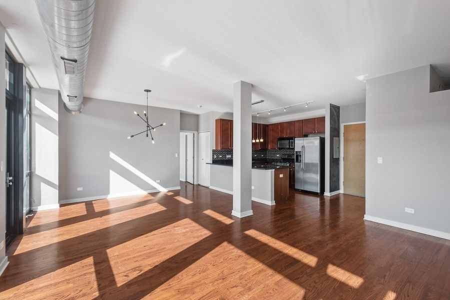 1151 W 14th Place