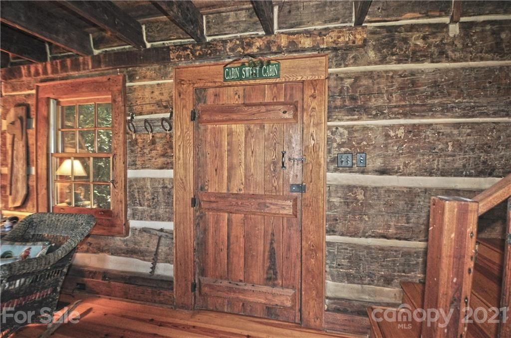 338 Old Cabin Trail