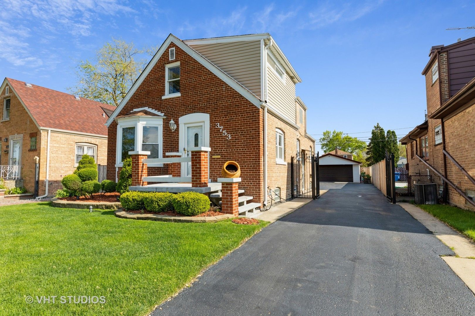 3753 W 80th Place